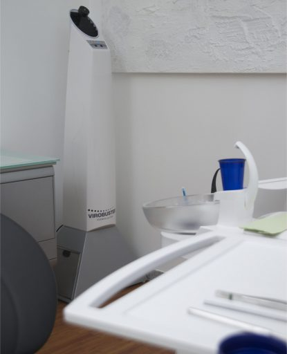 Steribase 300 Plus Luftreiniger in Zahnarztpraxis